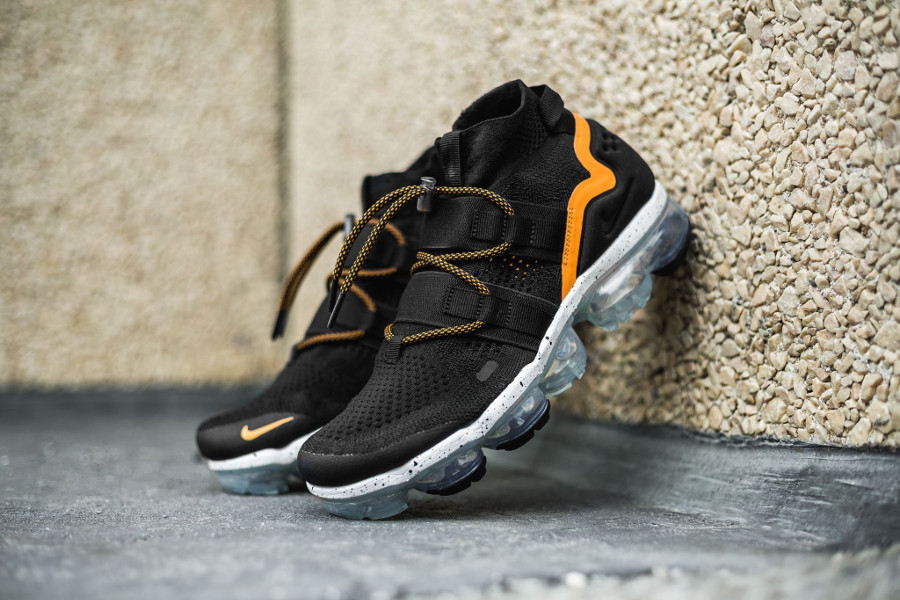Nike Air Vapormax Utility Mid 'Black Orange'