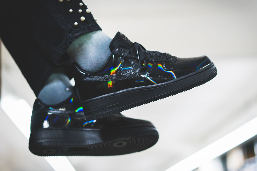 Nike Wmns Air Force 1 '07 Lux 'Black'