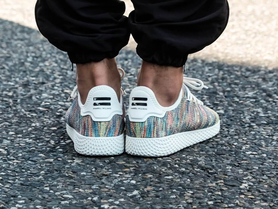 basket-pharrell-williams-adidas-tennis-hu-multicolor-CQ2631 (1)