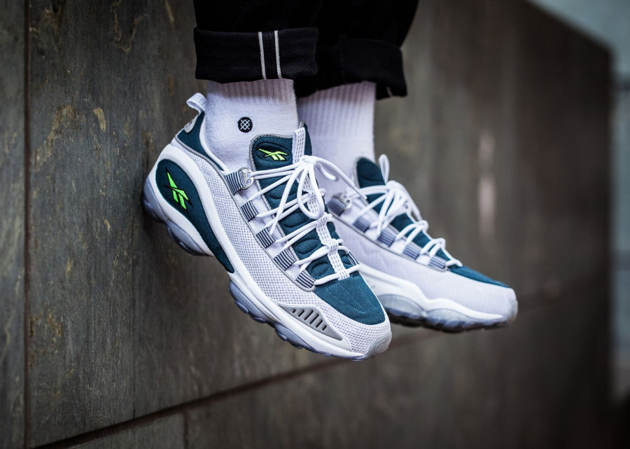 basket-reebok-dmx-runner-retro-nocturnal-bleu-yellow-neon-V44398 (1)