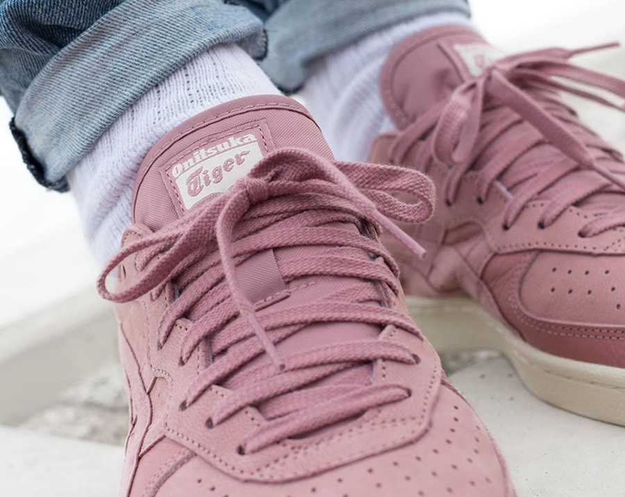 basket-tennis-onitsuka-game-set-match-en-suede-rose-semelle-vintage-D839L-2424 (2)