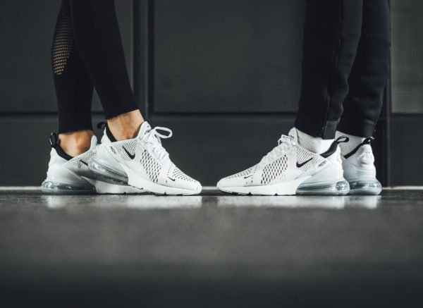 Nike Air Max 270 White Black on feet (homme et femme)