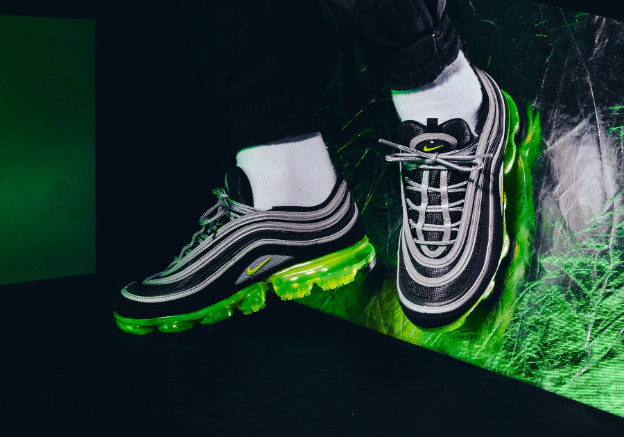 chaussure-de-basket-nike-air-max-97-vapormax-noir-jaune-et-vert-fluo-homme-AJ7291-001 (2)