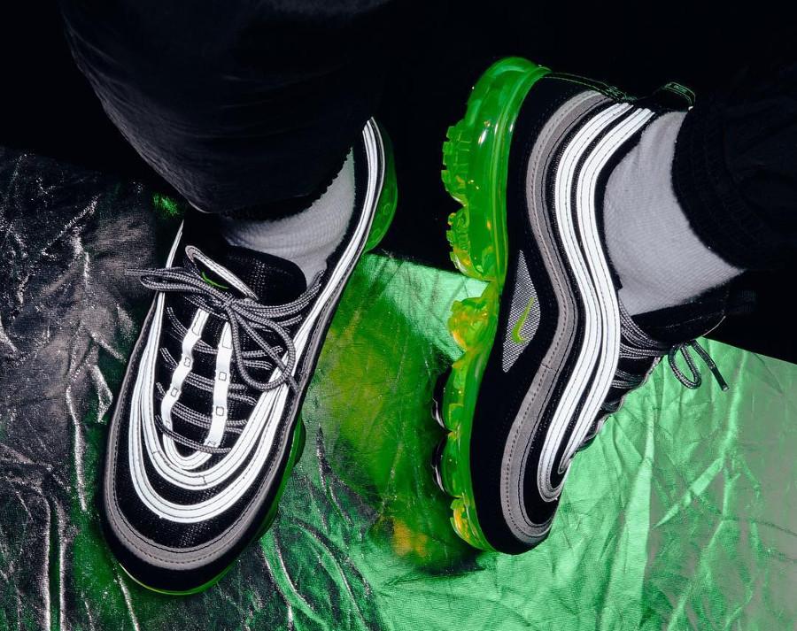chaussure-de-basket-nike-air-max-97-vapormax-noir-jaune-et-vert-fluo-homme-AJ7291-001 (4)