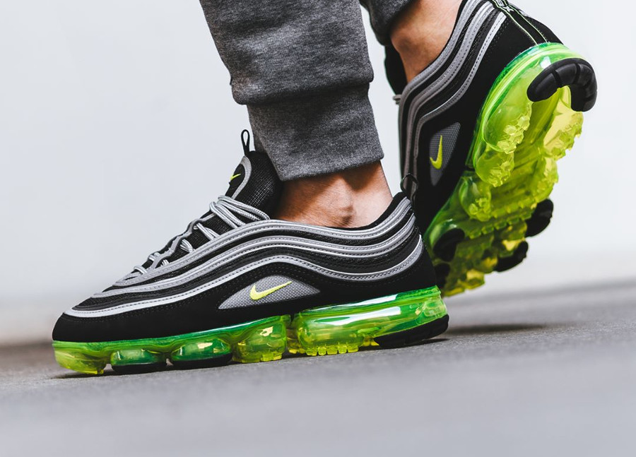 Nike Air Vapormax 97 OG 'Neon' Black Volt