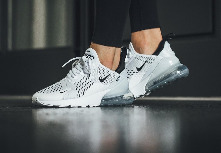 Nike Wmns Air Max 270 White Black on feet (femme)