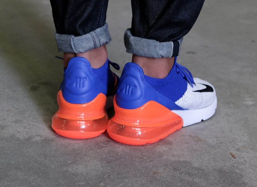 chaussure-nike-air-max-270-flyknit-racer-blue-total-crimson-on-feet (1)