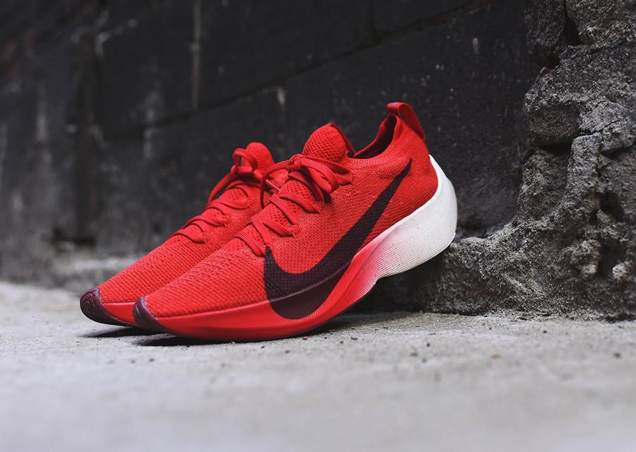 chaussure-nike-vapor-street-flyknit-rouge-noir-blanc-homme-AQ1763-600 (1)