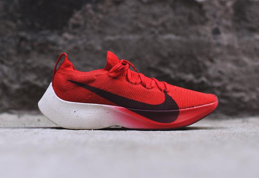 chaussure-nike-vapor-street-flyknit-rouge-noir-blanc-homme-AQ1763-600 (2)