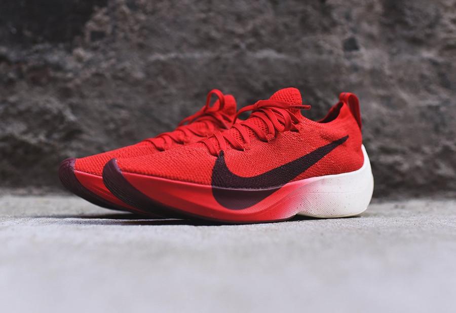 chaussure-nike-vapor-street-flyknit-rouge-noir-blanc-homme-AQ1763-600 (4)