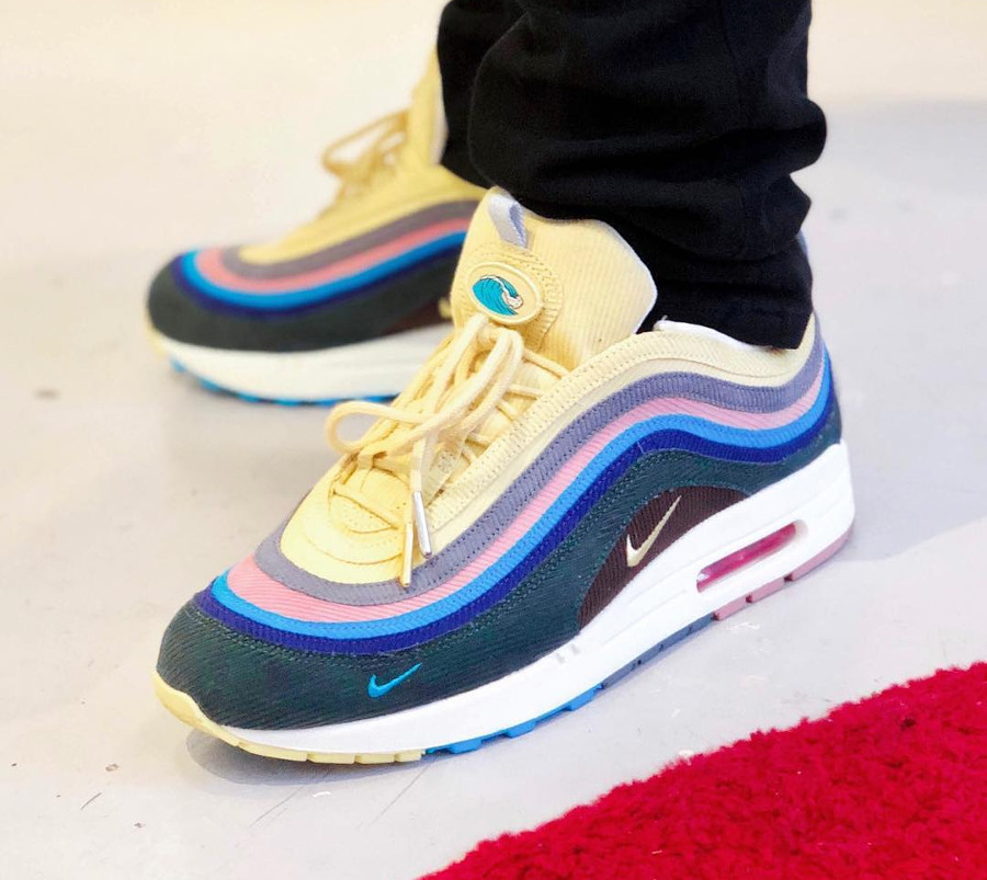 nike-air-max-1-97-velours-multicolore-jaune-vert-rose-bleu-violet @mikee_polo