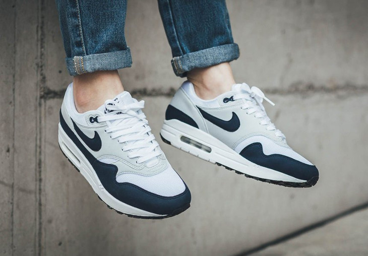 nike-wmns-air-max-1-White-Obsidian-Pure Platinum-Black (1)