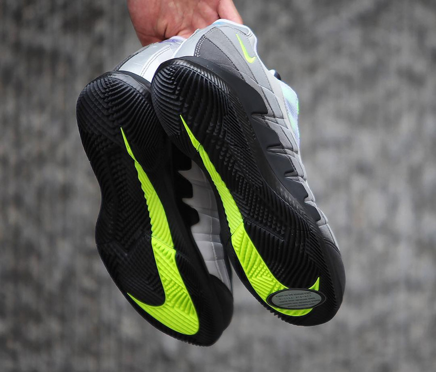 roger-federer-nike-court-zoom-vapor-10-air-max-95-what-the (2)