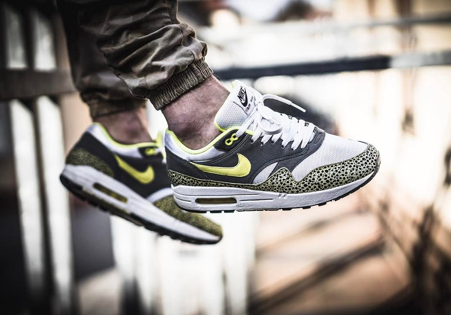 2009 - Nike Air Max 1 Yellow Safari - @elevenandihalf