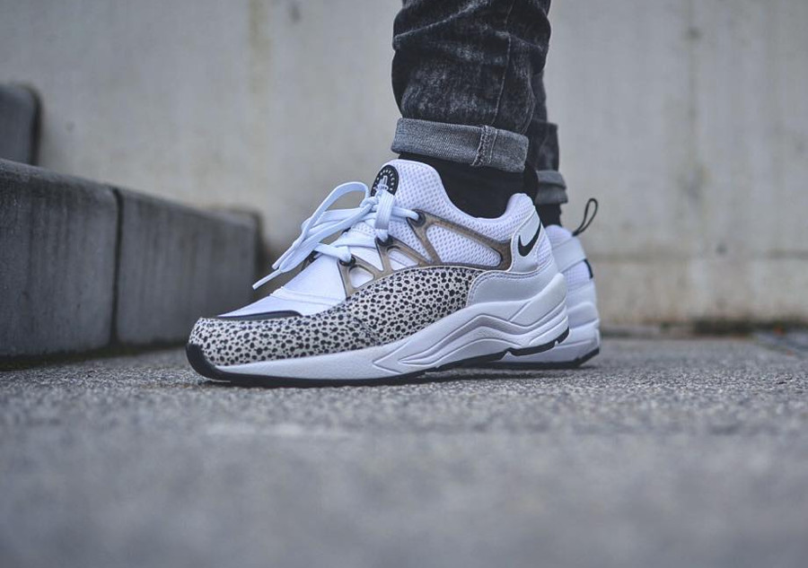 2015 - Nike Wmns Air Huarache Light Safari White Black - @comingsoonshop