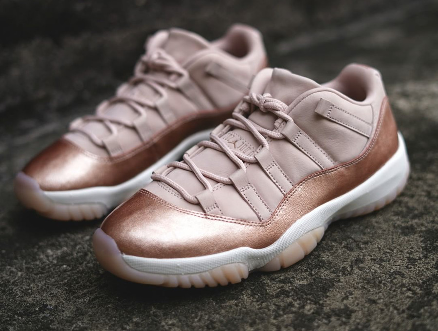 Air Jordan 11 Retro Low GS 'Red Metallic Bronze'