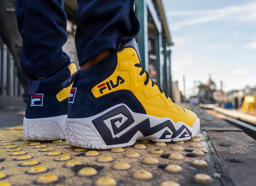 Chaussure Fila MB jaune Golden Yellow on feet