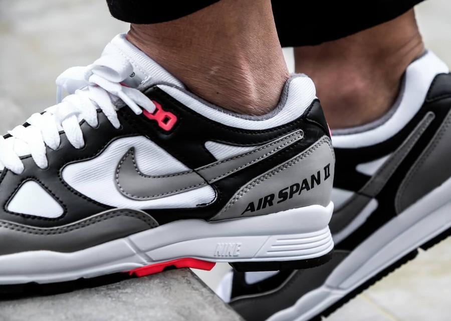 Basket Nike Air Span II OG femme blanche grise noire rouge (AH6800-003) (1)