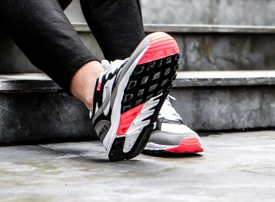 Basket Nike Air Span II OG femme blanche grise noire rouge (AH6800-003) (3)