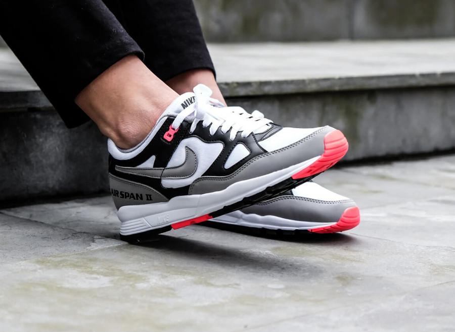 Basket Nike Air Span II OG femme blanche grise noire rouge (AH6800-003) (4)