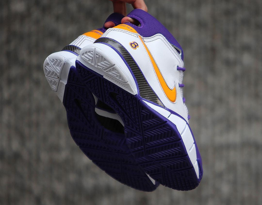 Basket Nike Kobe 1 Protro Lakers 8 Art of Champions (1)