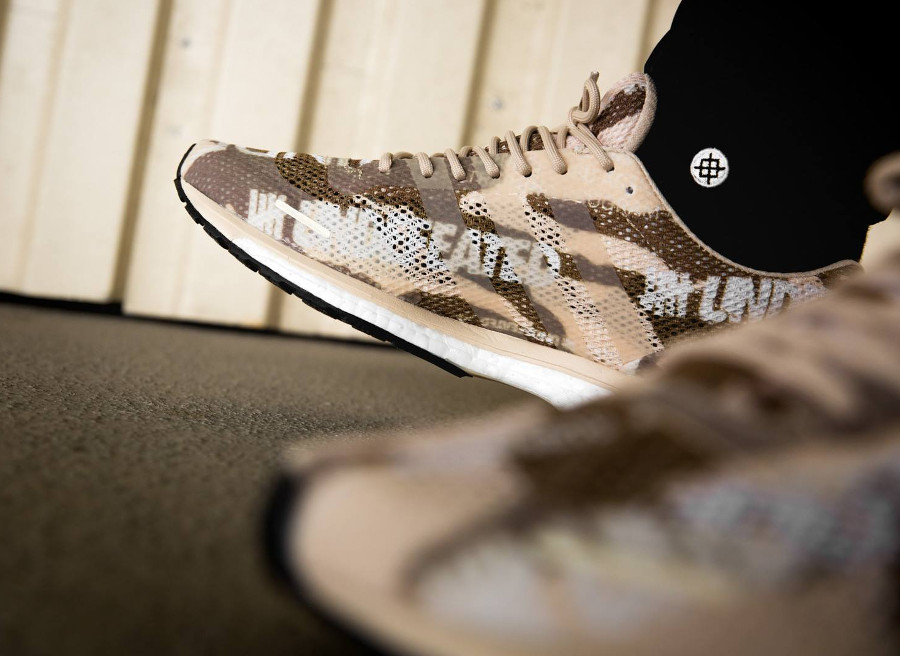 Basket UNDFTD x Adidas Adizero Adios Desert Camo on feet (B27771) (3)