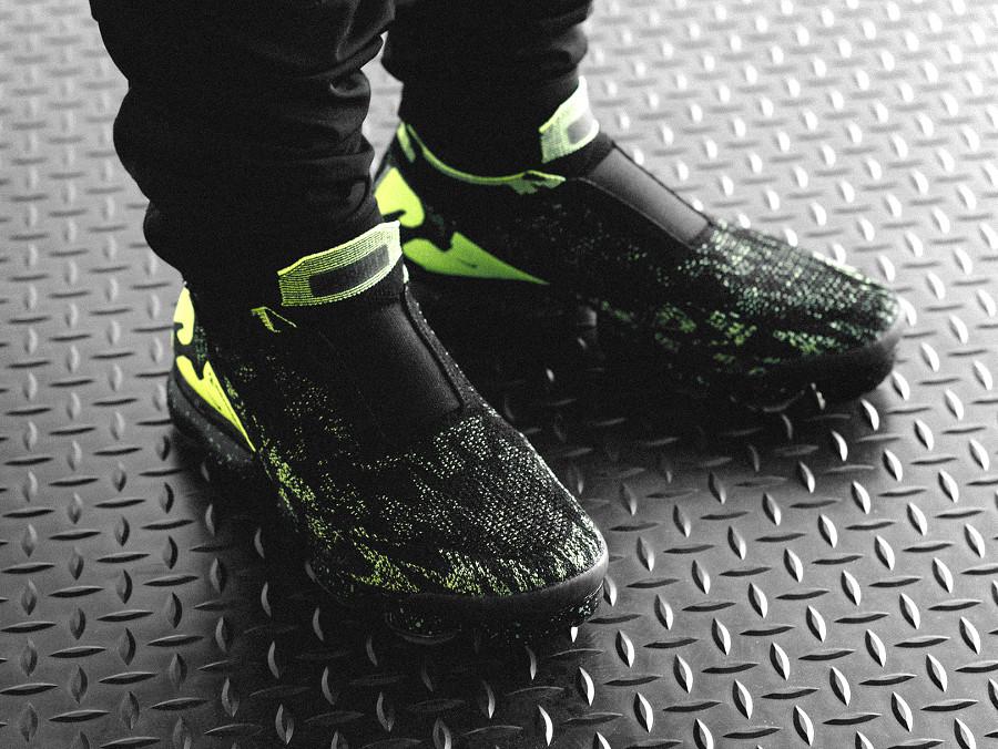 Acronym x Nike Air Vapormax Moc 2 Flyknit 'Black Volt'
