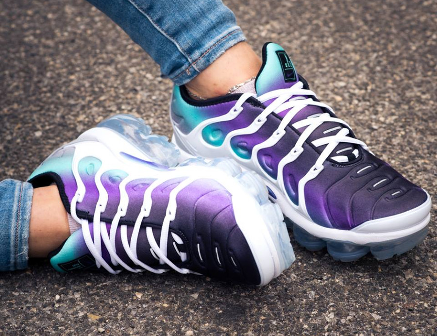Chaussure Nike Air VaporMax Plus Requin Grape Fierce Purple femme on feet 0db26af13