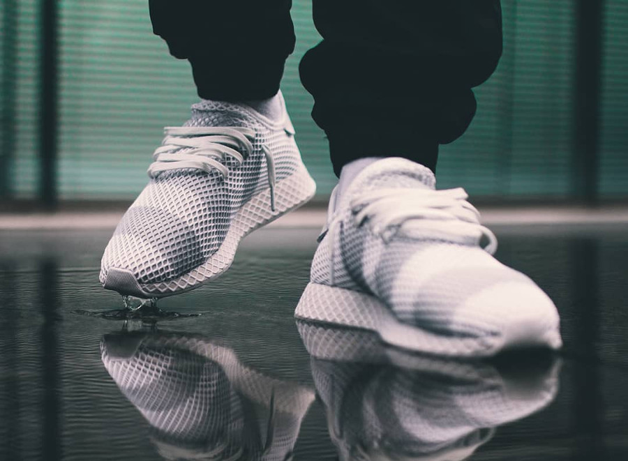 Guide des achats : Adidas Consortium Deerupt Runner 'Grey Stripes'