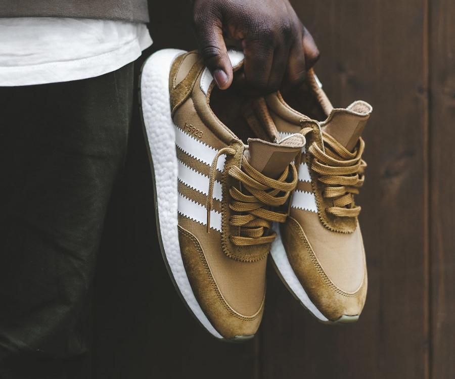 basket-adidas-i-5923-iniki-runner-homme-marron-CQ2491 (1)