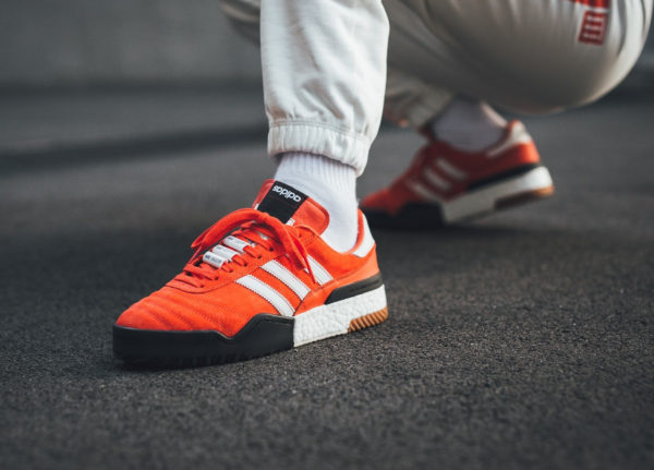 Chaussure Adidas AW BBall Soccer Bold Orange White on feet