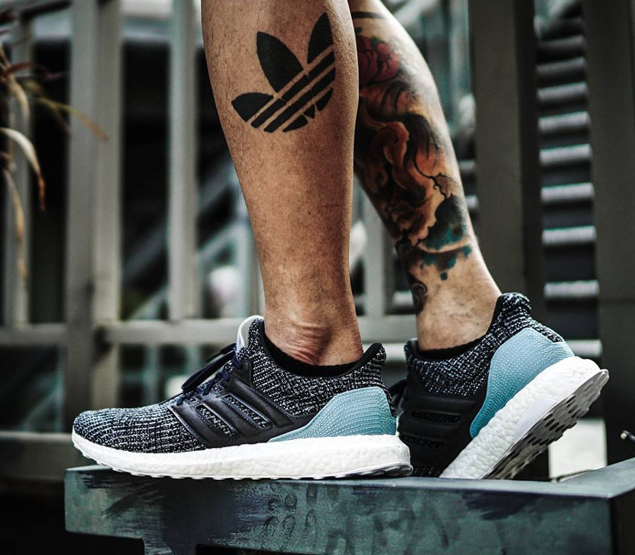 basket-adidas-ultraboost-4-0-plastique-recyclé-ocean-parley-noir-bleu-on-feet-CG3673 (3)