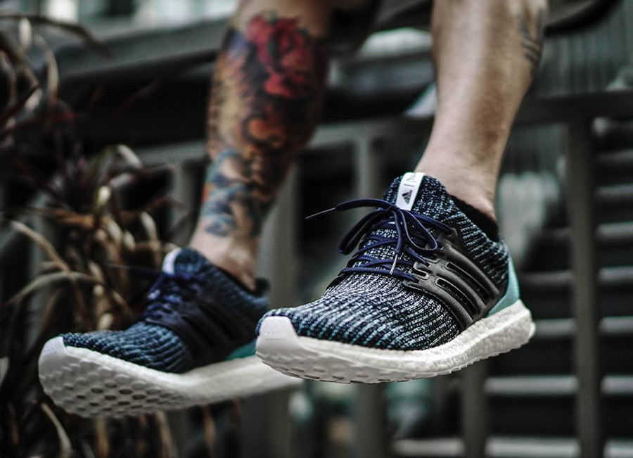 basket-adidas-ultraboost-4-0-plastique-recyclé-ocean-parley-noir-bleu-on-feet-CG3673 (5)