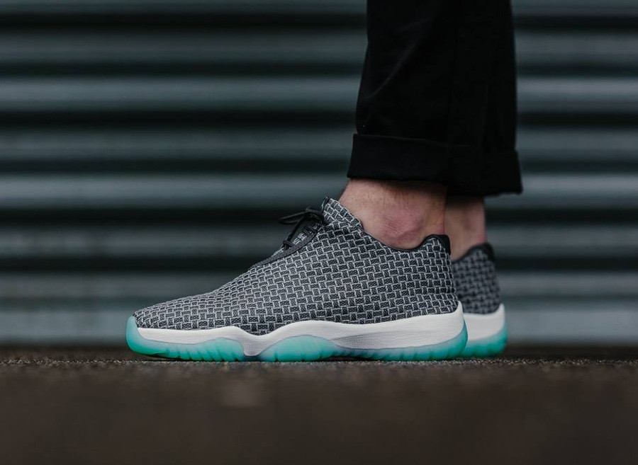 Air Jordan Future Low 'Wolf Grey Emerald Rise'