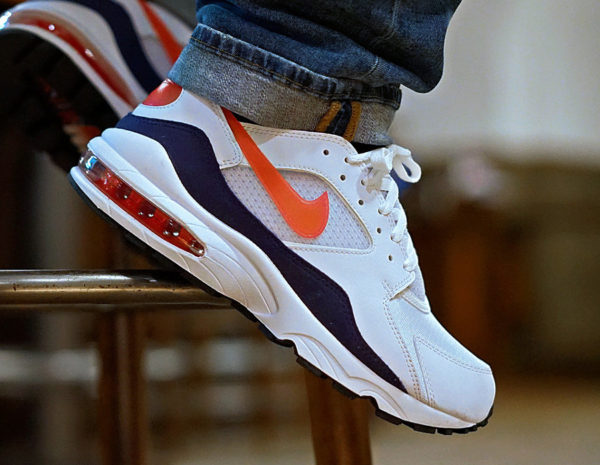 Chaussure Nike Air Max 93 OG Habanero Flame Red on feet