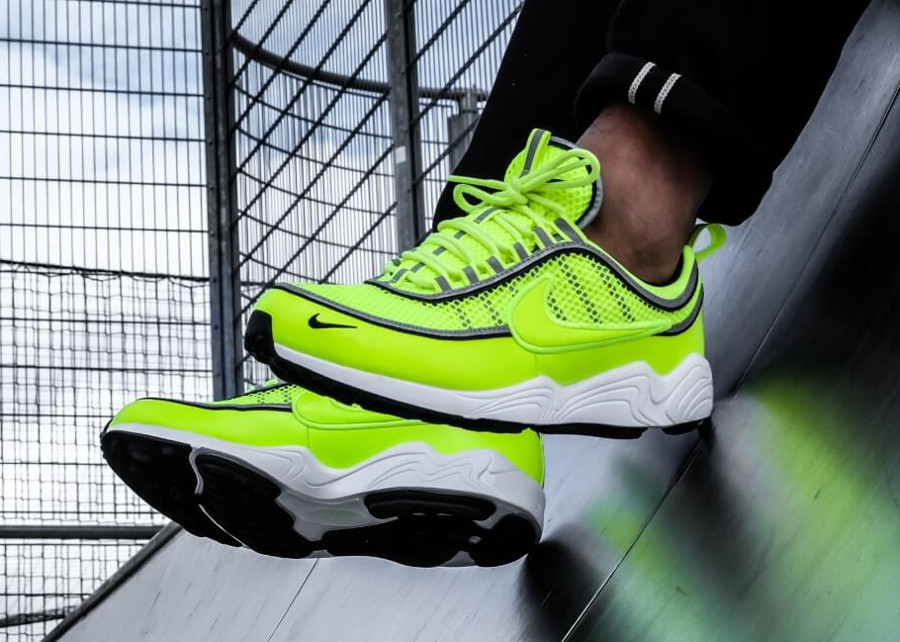 Guide des achats : Nike Air Spiridon '16 Patent Leather 'Volt'