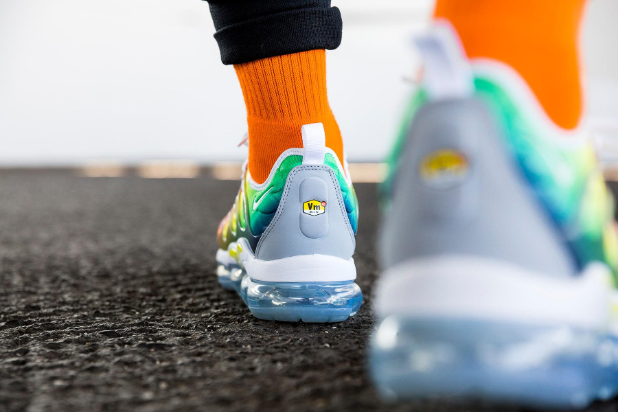 basket-nike-air-vapormax-plus-vm-dégradé-orange-jaune-fluo-vert-924453-103 (3)