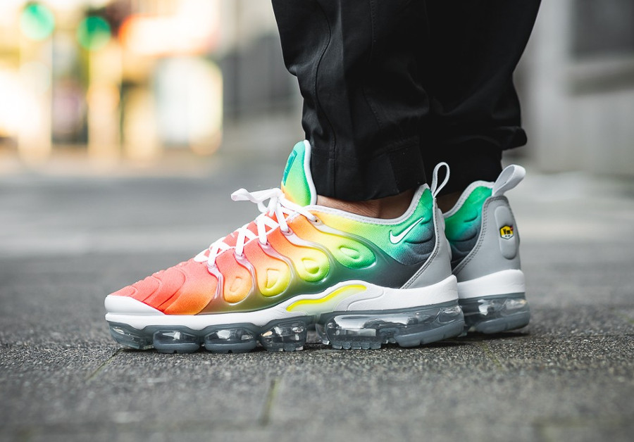 basket-nike-air-vapormax-plus-vm-dégradé-orange-jaune-fluo-vert-924453-103 (4)
