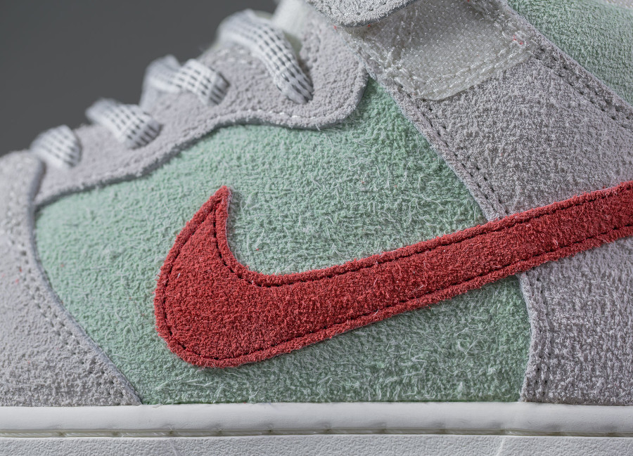 basket-nike-dunk-mid-pro-sb-hairy-suede-gris-vert-menthe-rouge-AQ2207-163 (3)