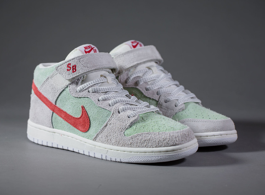 basket-nike-dunk-mid-pro-sb-hairy-suede-gris-vert-menthe-rouge-AQ2207-163 (6)