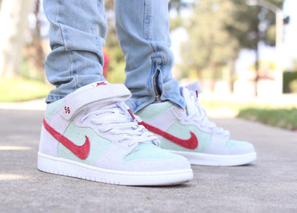 Chaussure Todd Bratrud Nike Dunk Mid SB 420 White Widow