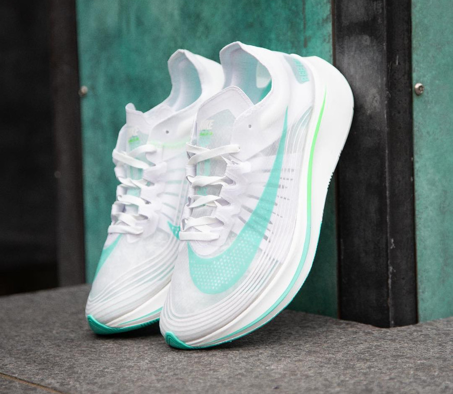 basket-nike-lab-zoom-fly-blanche-turquoise-vert-de-rage-AJ9282-103