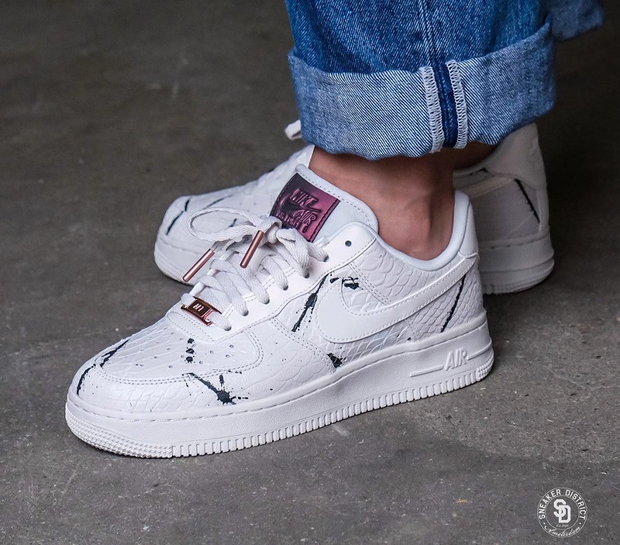 online store 05ceb e0e80 basket-nike-womens-air-force-1-low-luxe-