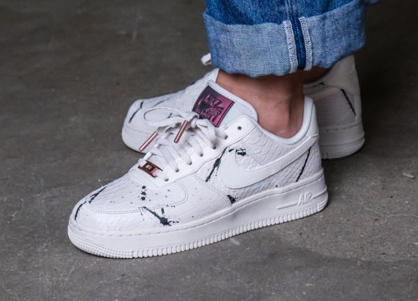 super popular af1ad de6b2 Chaussure Nike Air Force 1  07 LX  Phantom Snakeskin  (femme)