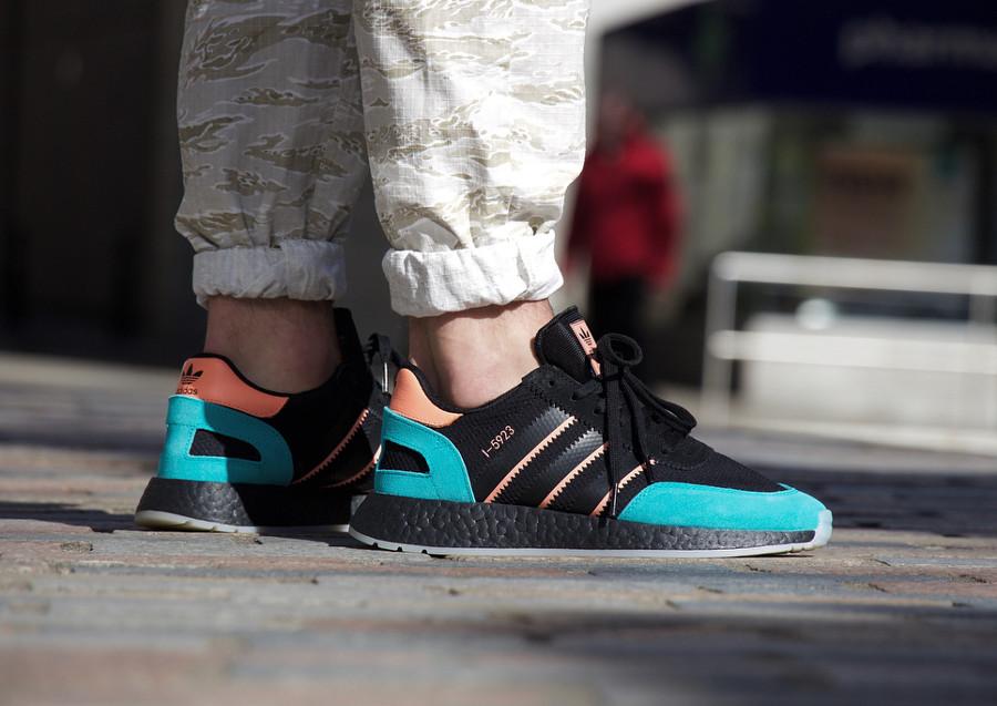 basket-size-adidas-i-5923-noire-rose-turquoise-on-feet (2)
