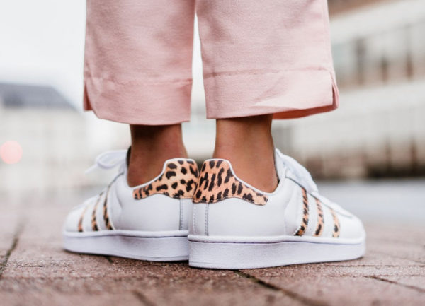Chaussure Farm Company x Adidas Superstar femme Leopard Stripes