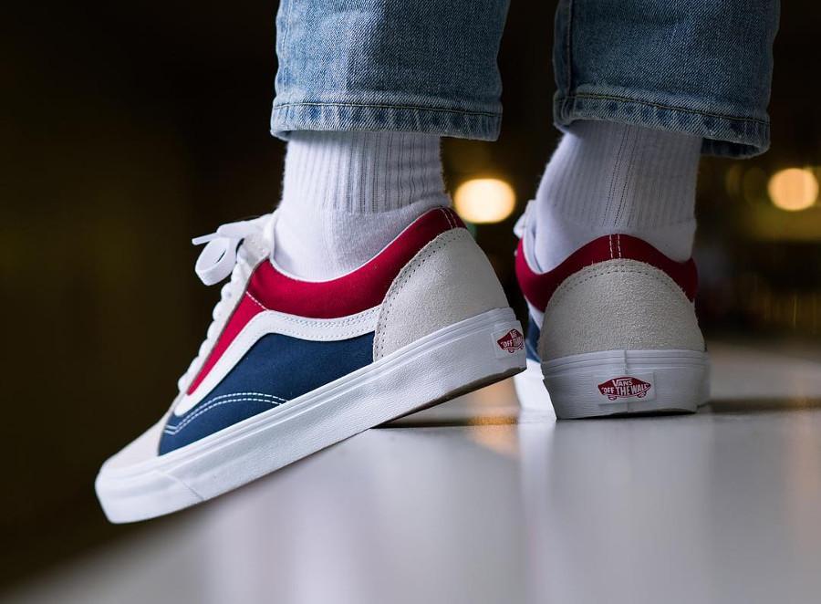 basket-vans-ua-old-skool-suede-blanche-rouge-bleu-on-feet-VA38G1QKN (1)