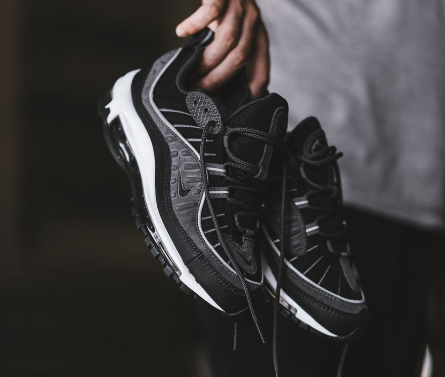 Basket Nike Air Max 98 SE Grise Black Anthracite