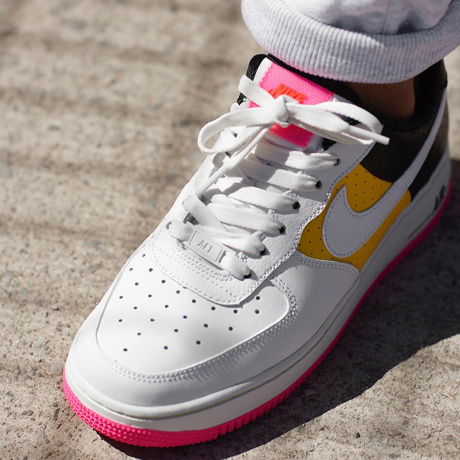 Chaussure Nike Air Force 1 '07 SE Moto (hangtag avec 2 dés)