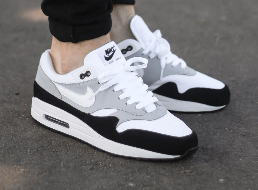 Nike Air Max 1 Wolf Grey 2018 on feet